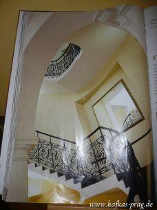 Das Treppenhaus im Buch...