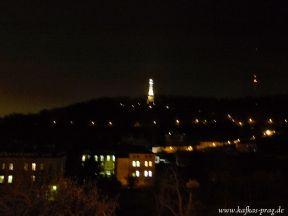 Blick auf den Laurenziberg mit beleuchtetem Aussichtsturm
