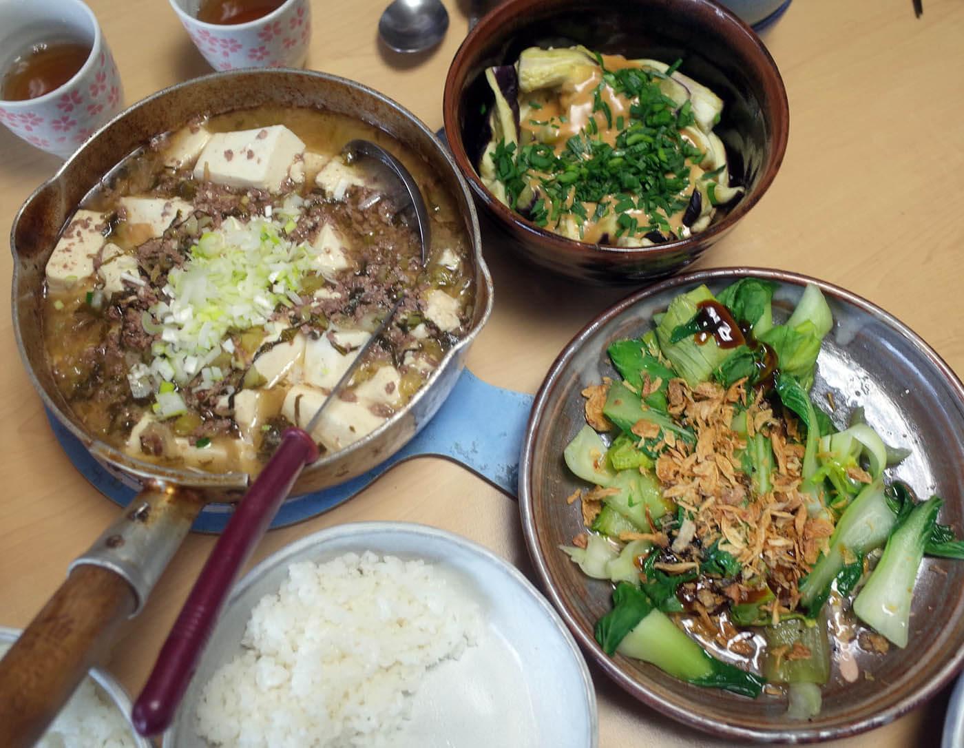 豚肉と高菜と豆腐の中華煮込み