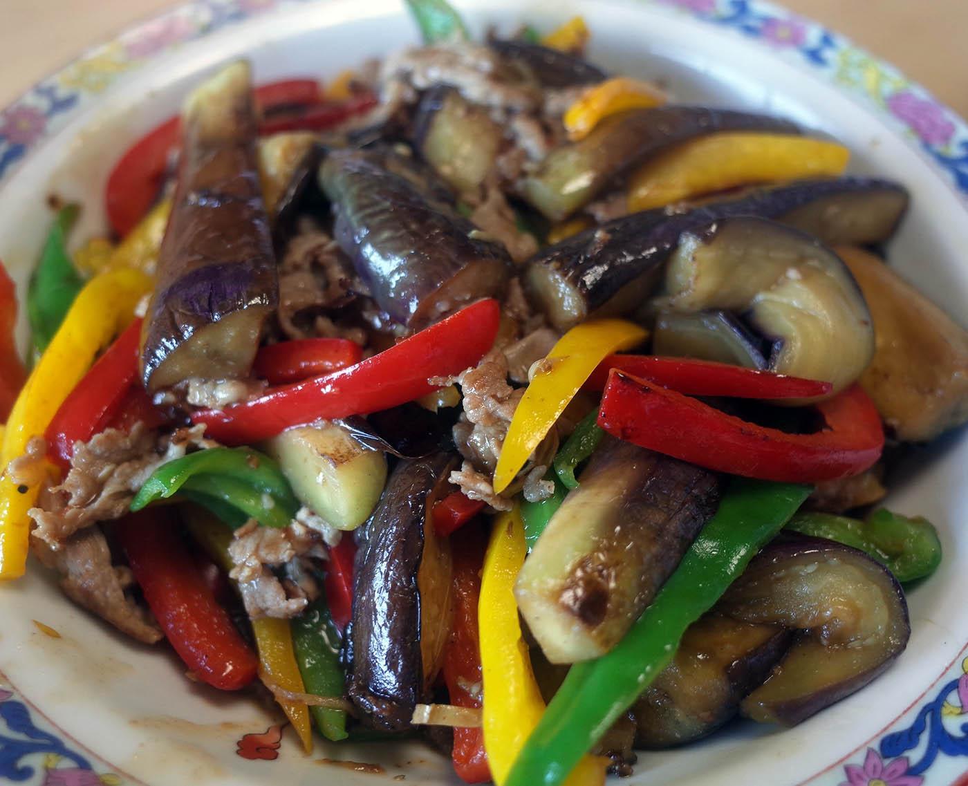 豚肉と茄子とカラーピーマン炒め