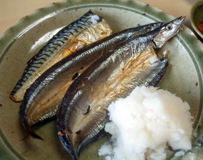 焼き魚定食 サンマの一夜干しと鯖の灰干し