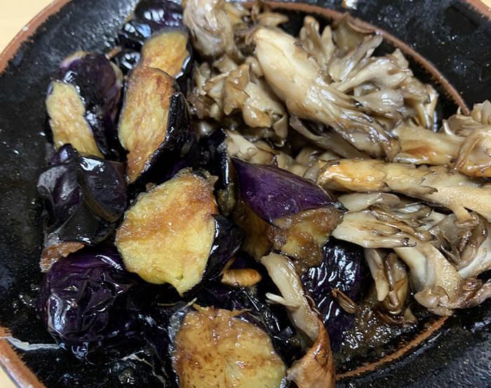 茄子と舞茸の玉ねぎ醤油