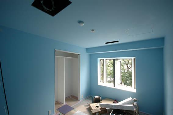 青い子供部屋