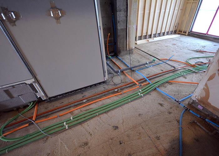 マンションリフォーム解体後の設備配管