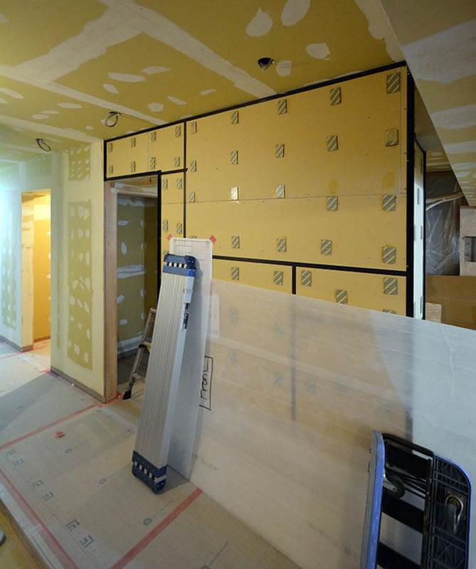 カラーガラス壁の見切り@港区三田A邸リノベーション