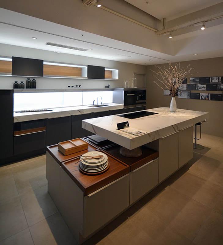 ポーゲンポールの高級輸入キッチンショールーム