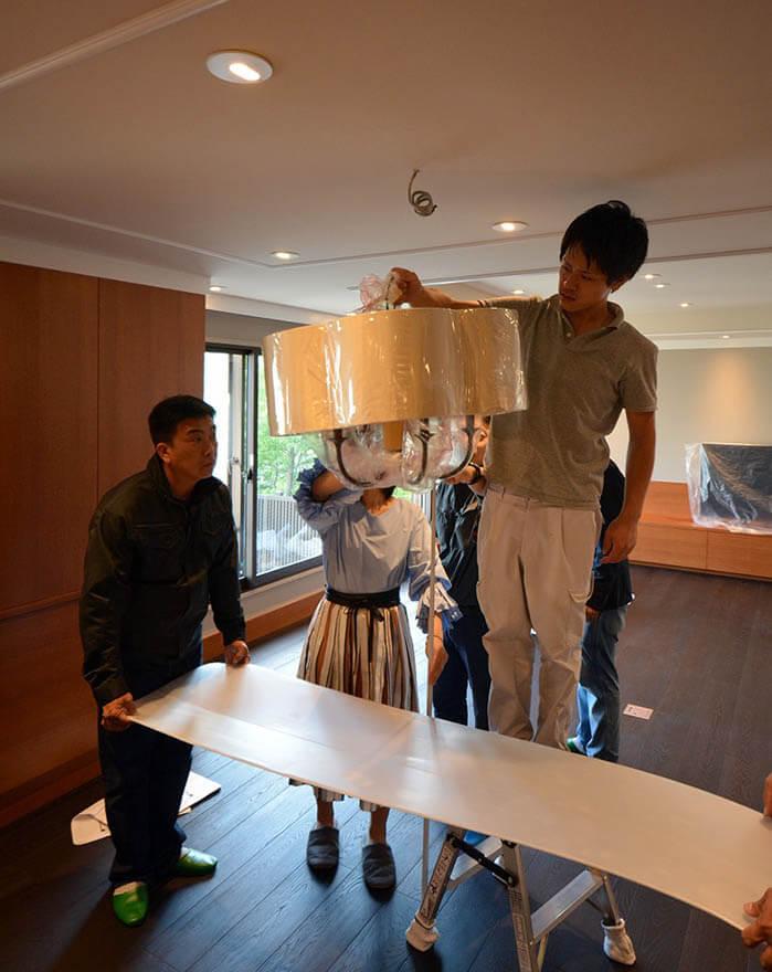 ダイニングテーブルとペンダント照明の高さ確認