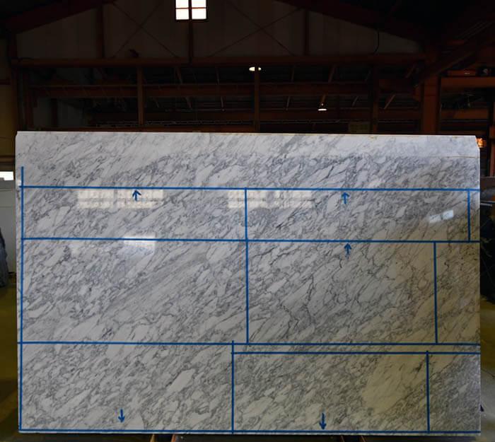大理石ビアンコブロイエの石取り確認