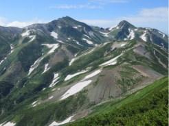 雪倉岳山頂より白馬岳方面