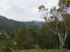 登山道から足尾の方向を見る