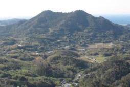 伊予ヶ岳から富山遠望
