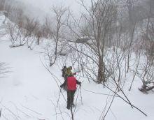 一ノ倉沢麓への登り