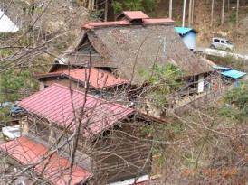下山口にあった古民家のソバ屋さん