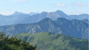 奥大日岳からは遠く槍穂まで