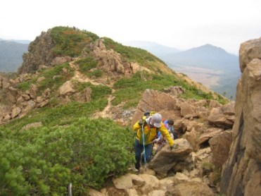 至仏山よりの下山路 後至仏山頂