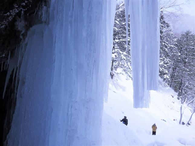 迫力ある氷瀑