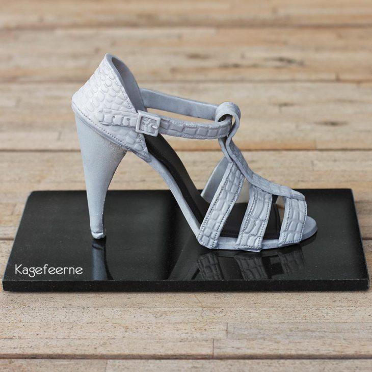 Sølv sandal lavet i fondant