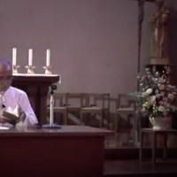 「ザビエルと平和」 について講話する郡山司教