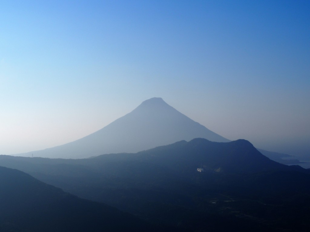 Mt. Kaimon-dake viewed from Mt. Ono-dake