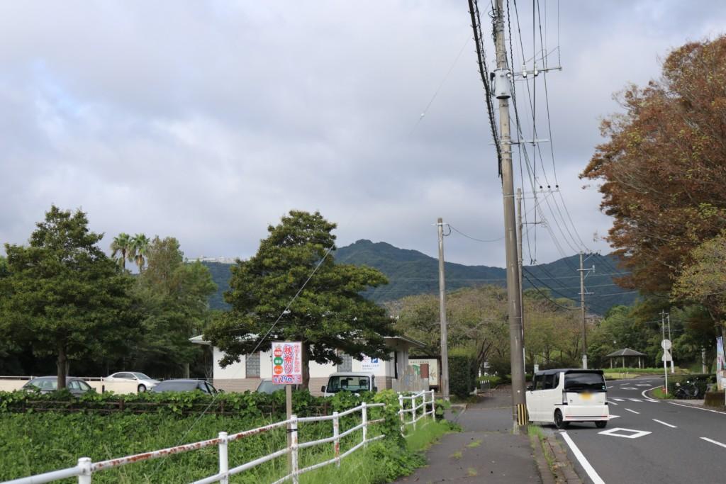 慈眼寺公園の駐車場