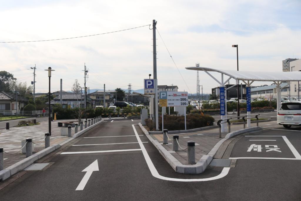 川内駅の駐車場