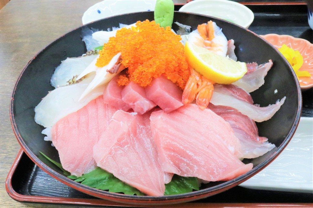 かんまち商店の海鮮丼