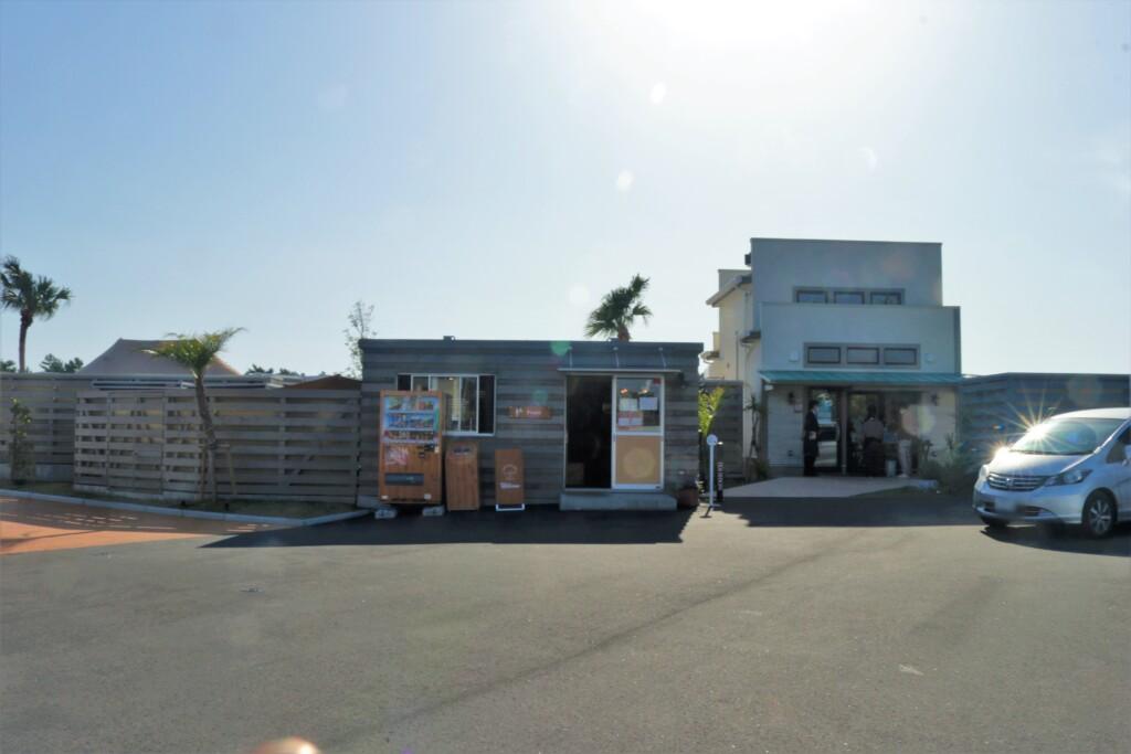 吹上浜フィールドホテルの駐車場