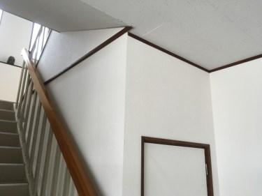 部屋が散らかる心配なし!階段下収納はどう使う?