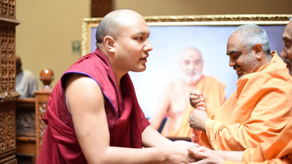 The Karmapa Visits the BAPS Swaminarayan Mandir
