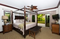 Waipouli Resort Suite – Master Bedroom