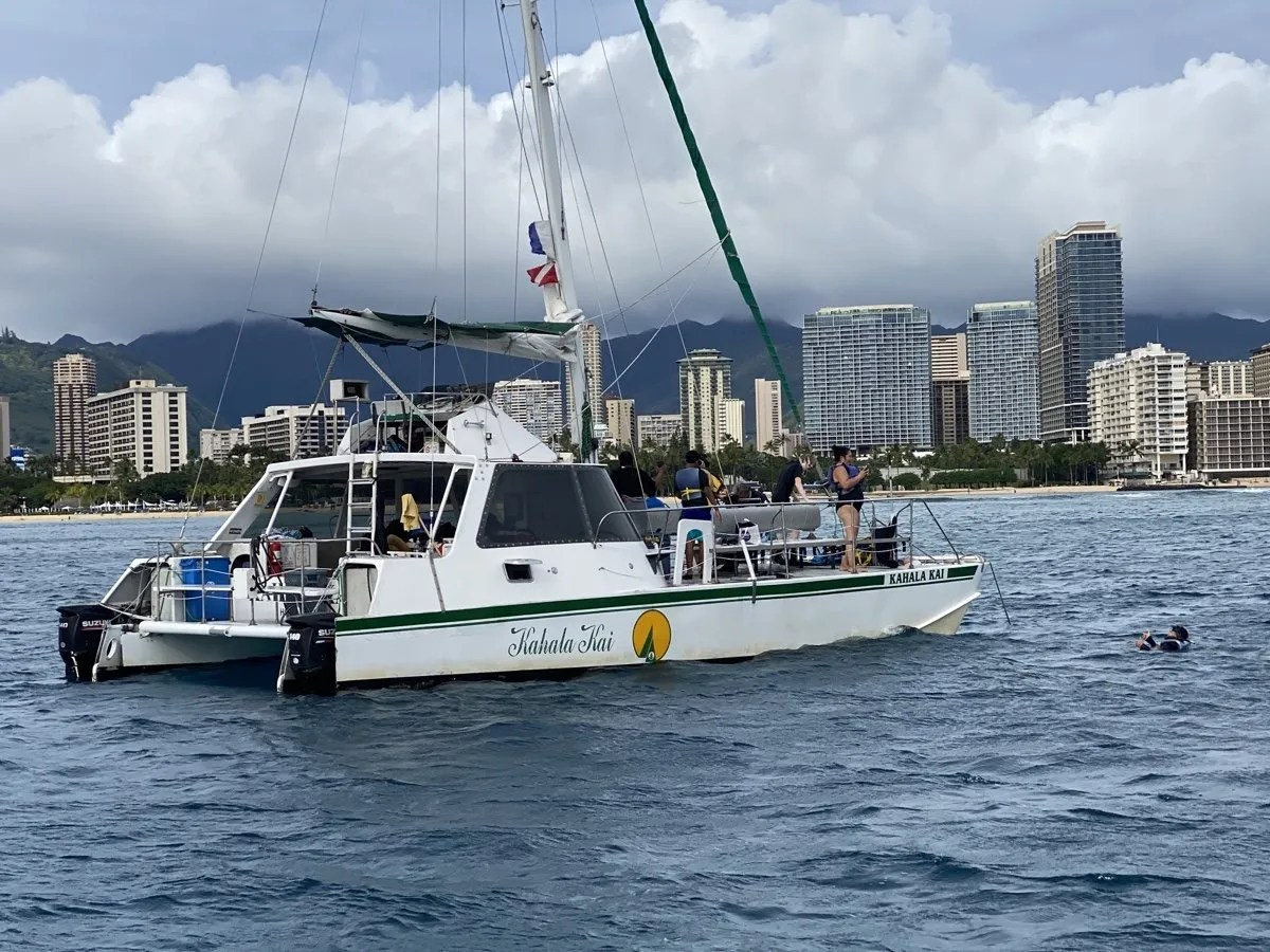 Private Waikiki Boat Charters And Tours