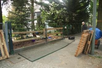 Fence dismantling