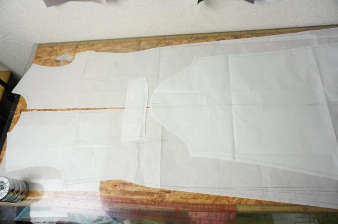 全体的に細長い型紙のスンスンの衣装
