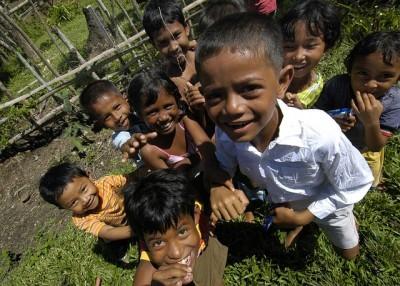 インドネシアの海外生活、学校教育での言語