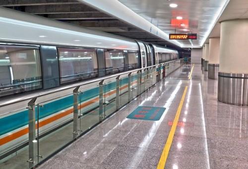 上海でラッシュ通勤はつらい