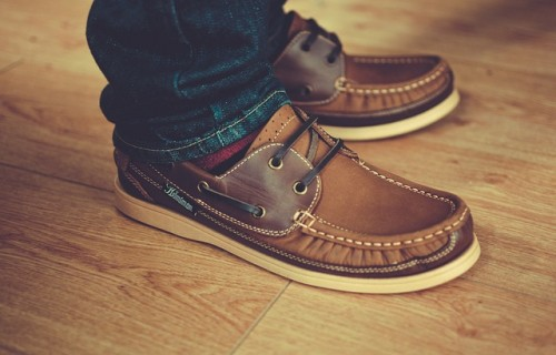 家の中で靴を履くのは