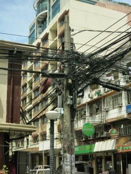 フィリピンの電線