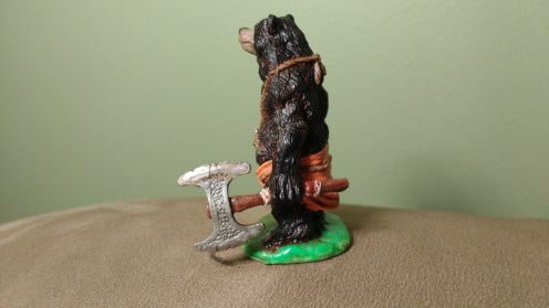 The Reaper Bones Werebear viewed from the side.