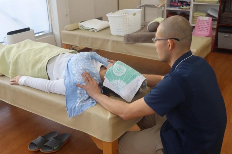 アトピー性皮膚炎の患者さんの1症例【まぶたが3重になってしまった】