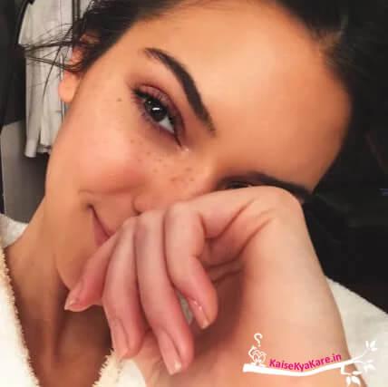 बिना मेकअप के Kendall Jenner