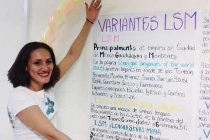 Miriam, psicologa, el d+¡a del festival con su exposici+¦n_ket