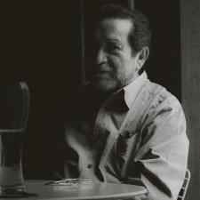 El recuerdo de un hombre que nos enseñó a mirar la belleza de este monstruoso mundo