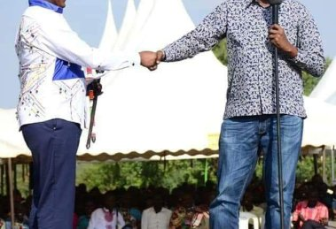 Henry Kimiti and Geoffrey Lemako, the great handshake.