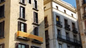 Barcelona, Catalan protests balconies.