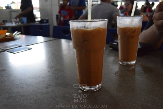 How a Teh C Peng Special looks like after a good stir.
