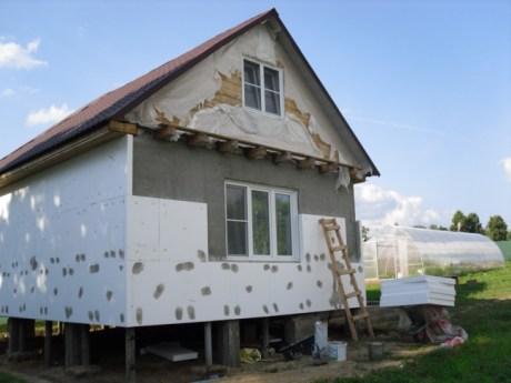 Как правильно клеить пенопласт на фасад?