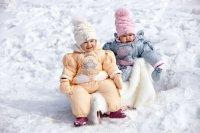 Как правильно подобрать зимний комбинезон ребенку?