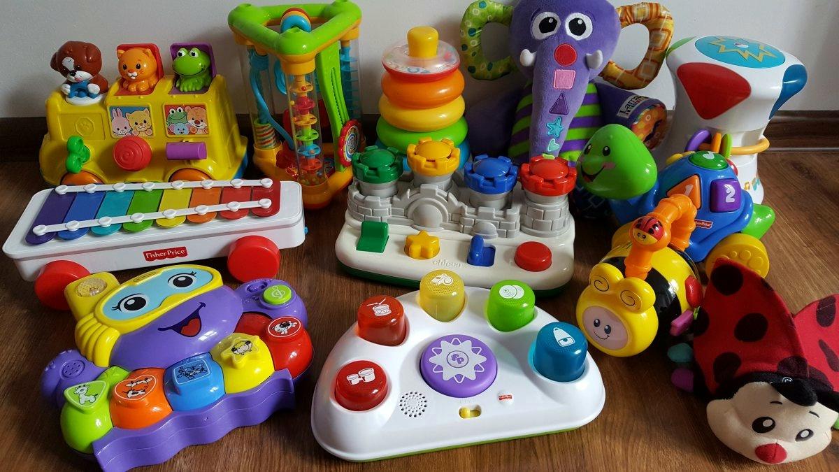 Zabawki edukacyjne i interaktywne 6mc+