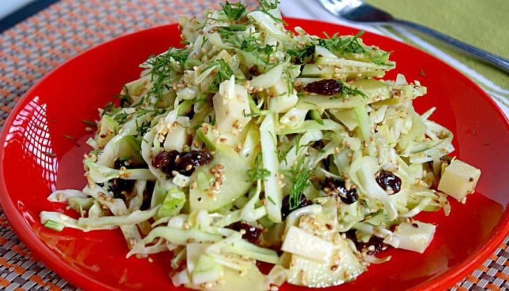Сусамовите семена можем да поръсваме върху всякакви салати. как да ядем сусамови семена