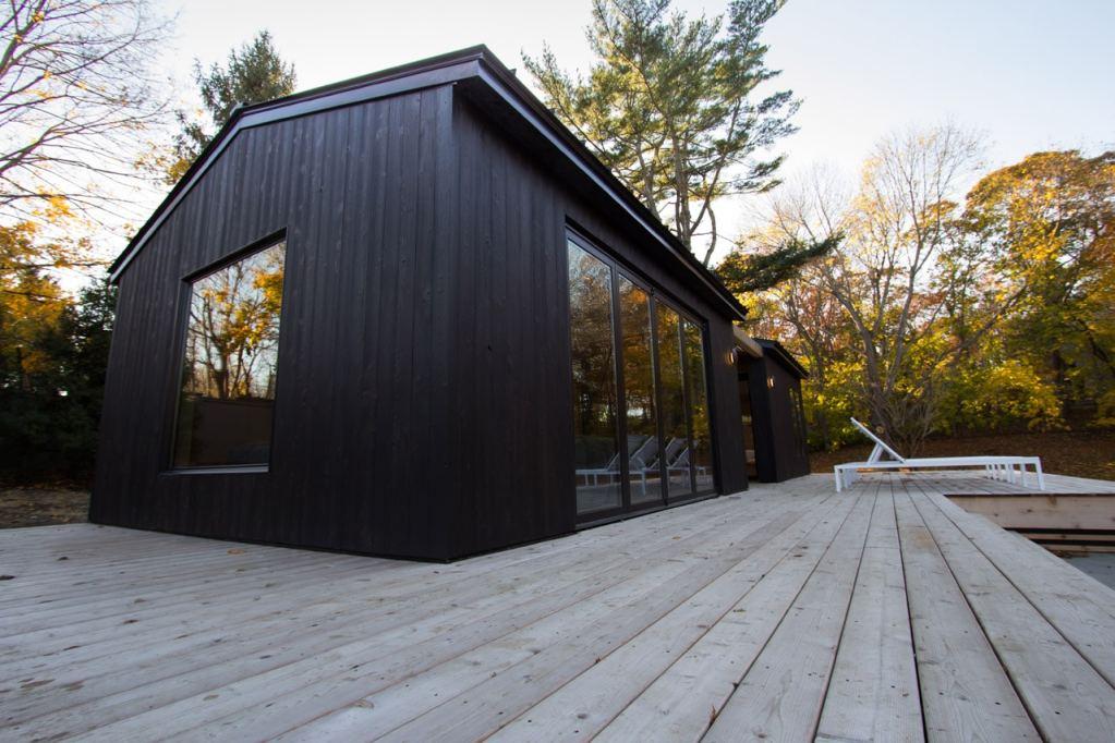 Как да направим дървена къща по технология шоу суги бан?